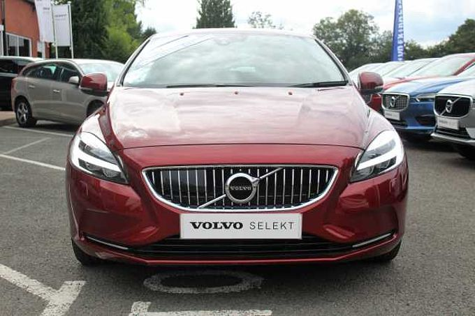 Volvo V40 D2 Inscription, Winter Pack, Sat Nav, City Safety, Cruise Control, Rain Sensor